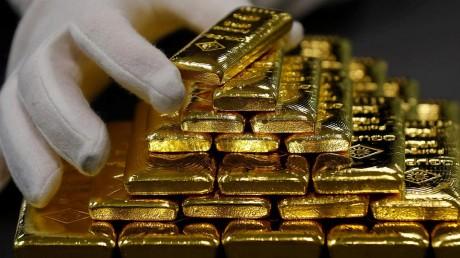 Gold Price Today: घरेलू वायदा बाजार में रिकॉर्ड ऊंचाई पर सोना, जानिए क्या है तेजी की बड़ी वजह