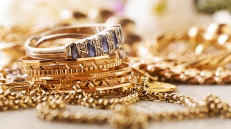 Gold Silver Rate Today 19 May 2020: सोने-चांदी में आज भारी उठापटक की आशंका, देखें टॉप ट्रेडिंग कॉल्स